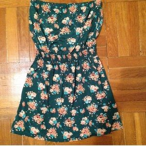 Dresses & Skirts - Strapless Floral Print Dress
